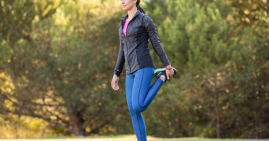 The 5-Minute Stretching Routine That Will Keep You Walking Strong