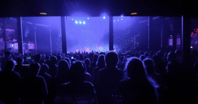 How to take better low light photography at live music shows