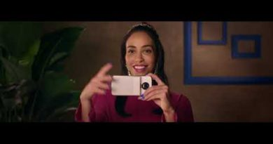 Hello Polaroid - the new Polaroid insta-share printer moto mod (:15)
