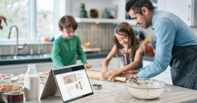 Find the perfect gift for dads and grads from Microsoft Store and our partners