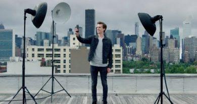 OnePlus 6T - Studio Lighting