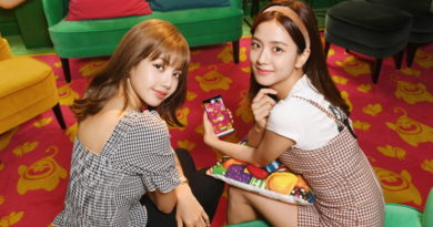 Candy Crush Superfans BLACKPINK Bring Hungry Yeti to Life with AR on the Galaxy Note10